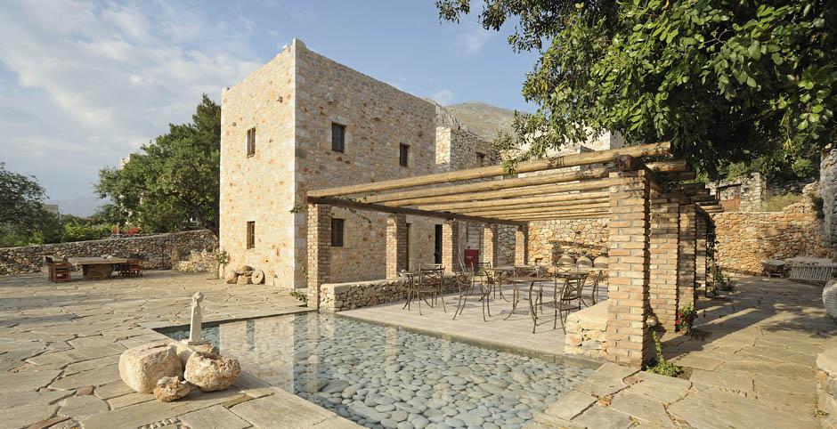 Citta dei nicliani in mani jacoline 39 s small hotels in greece for Beautiful small hotels